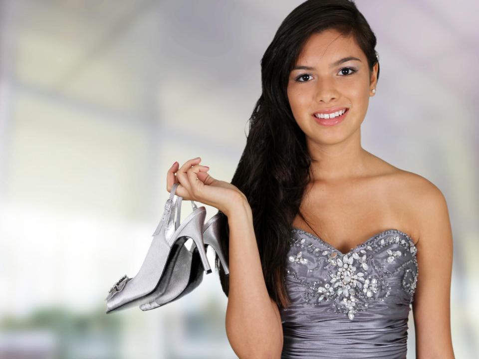 Elegante Schuhe Fur Dein Perfektes Abschlussball Outfit Schuhe24